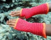 Red fingerless gloves/wrist warmers