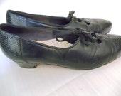 Johansen Size 8 Black Lace Up Granny Faux Snake Shoes