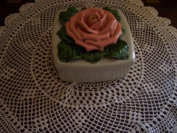 Vintage Valley Vista of California rose covered ceramic box
