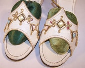 Vintage Ladies Shoes 1940s, White leather jeweled mules, bedroom slippers, size 6