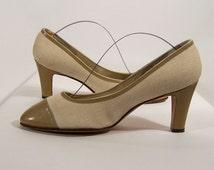 Vintage Spectator Pumps, Shoes 1970s, Tan Delman Pumps, Linen and Leather, w/ shoe inserts