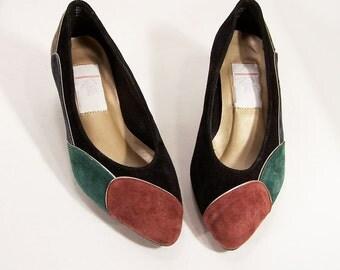 Vintage Suede Pumps, 1980s shoes Size 6, black suede w/ multi-colored suede and metallic trim