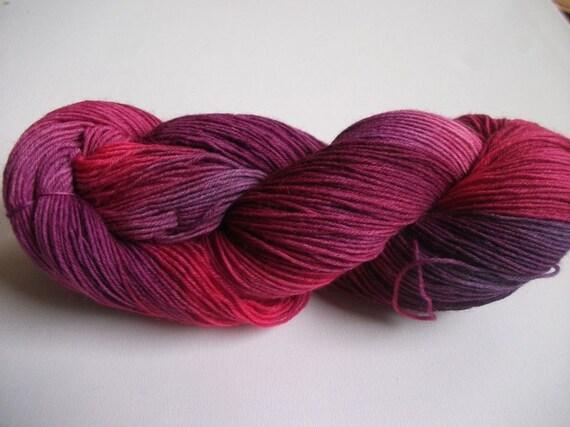 Handpainted Yarn  lila pink aubergine