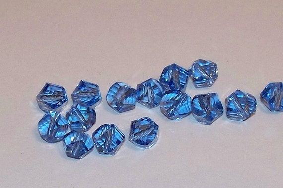 Blue Faceted Crystal Glass Twisted Cube Beads - 15pcs