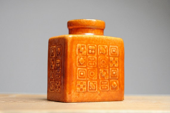 Small Manila series vase by Carstens Tönnieshof (M16/12)