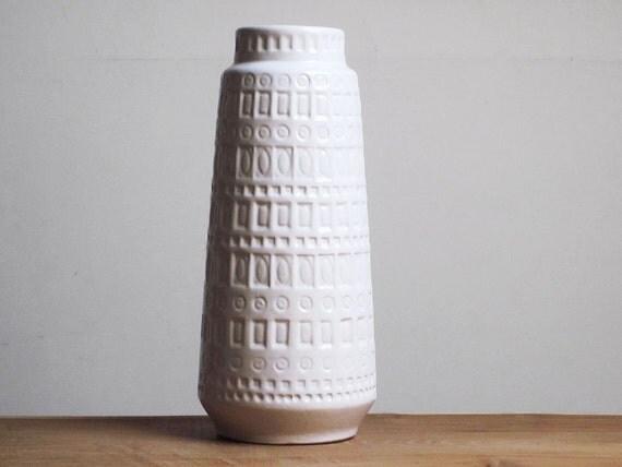White glossy Inka decor vase by Scheurich (260-30)