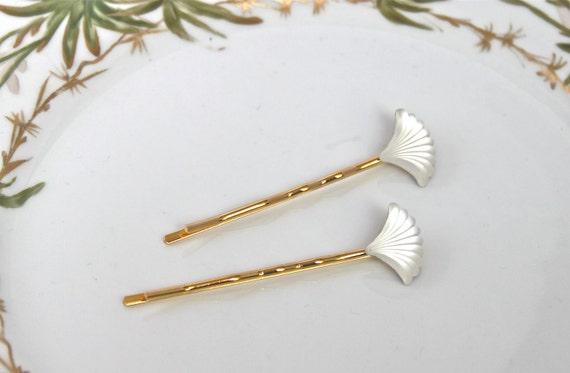 Vintage Art Deco Scalloped Fan Hairpins