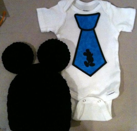 Mickey Mouse outfit for baby boys - Mickey Mouse tie onesie w/ matching crochet Mickey Mouse hat