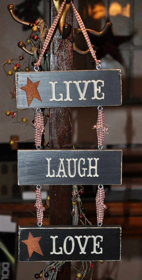 Live laugh love wooden sign for Easy live laugh love home decor ideas