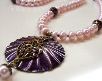Purple button pearl necklace - Metalwork pendant necklace