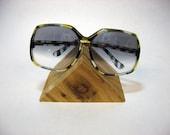 OLD LADY SUNGLASSES - big gradient tint lenses, turtleshell frames, hip (c. 1970s-80s)