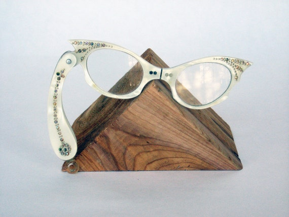 FOLDABLE CATEYE GLASSES - bejeweled white reading glasses, necklace (c. 1940s-50s)