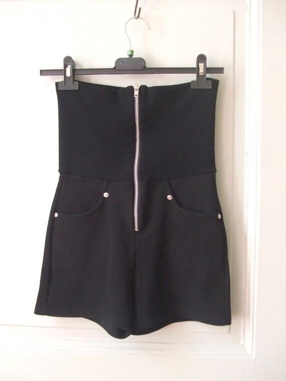 french 90s HIGH WAISTED shorts  black small medium