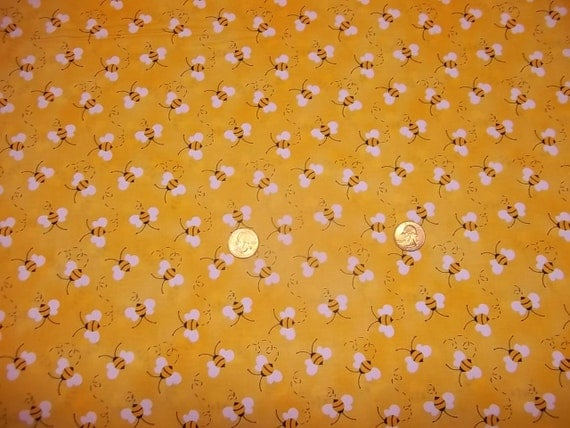 BUMBLE BEE'S by Patty Reed  on YELLOW  Design pattern  1 Yard - 100% Cotton Very cute fabric,by Fabric Traditions