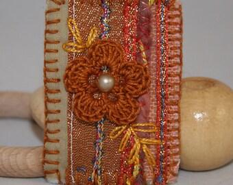 Embroidered Patchwork Crochet Flower Brooch - Bronze