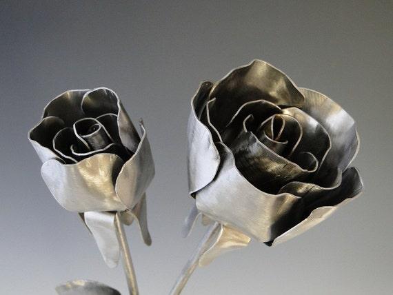 Rose Flowers Metal Sculpture