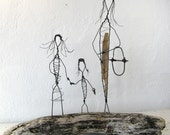 Mother and Daugthers - Wire Sculpture on Driftwood - Folk Art Series - Rustic Beach House Decor