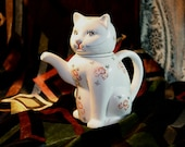 Cute Kitty Tea Pot