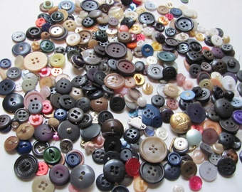 Vintage Lot of 300 Plus Assorted Plastic and Metal Buttons