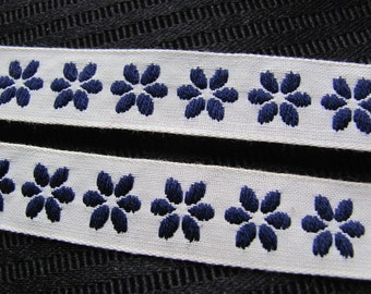 Embroidered Woven Floral Trim Edge  - .75 Inch Wide - Original Vintage 1970s - 4 Yards Total