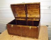 Treasure chest toy box