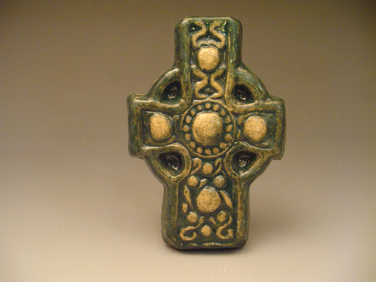 Celtic cross gaelic irish green christian home decor wall for Irish home decorations