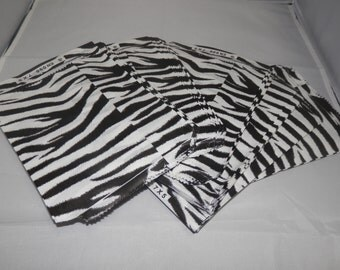 Zebra Print 100 Pack 5x7 Inch Paper Merchandise Gift Bags Size 5x7 Favor Bags