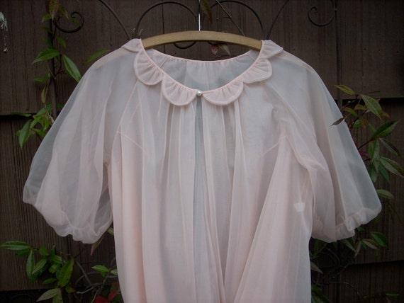 Vintage Vanity Fair Robe in Sheer Pink