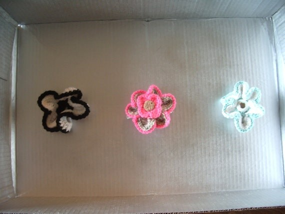 Flower Hair Clip Set in Pink, Blue, and Black