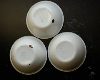 Lot of three Bumper Harvest vintage enamelware bowls
