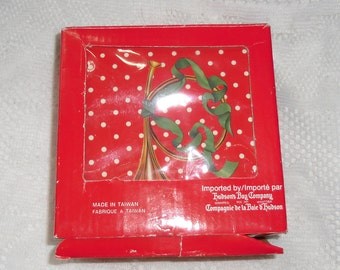 Vintage Christmas  - Boxed Set of Six Coasters in a Wooden Box Made in Taiwan