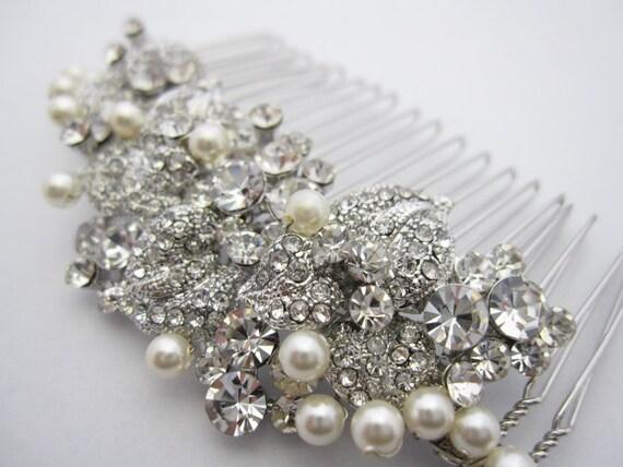 Pearl bridal comb,bridal hair comb crystal and pearl,wedding hair accessories,crystal hair comb,wedding comb,wedding hair comb pearl,crystal