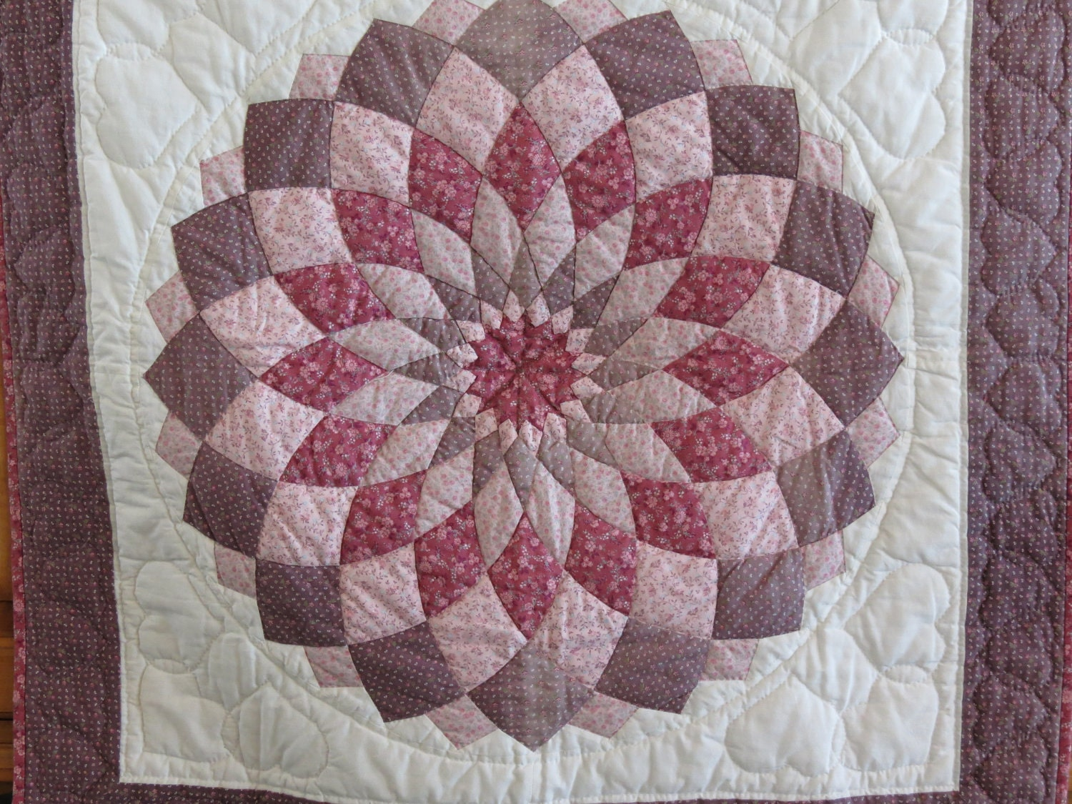 Giant Dahlia Quilt Images : Amish Quilt Giant Dahlia Wall Hanging