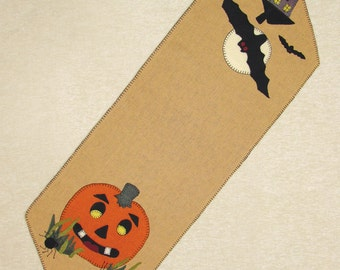 20% OFF PATTERN - Halloween Night - Wool Applique' Table Runner