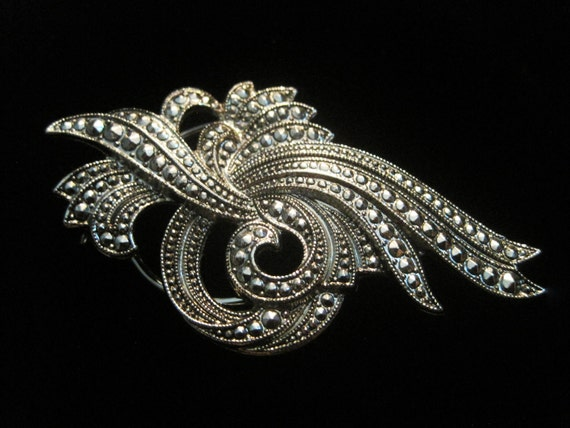 Vintage Silver Marcasite Style Swirl Scarf Clip