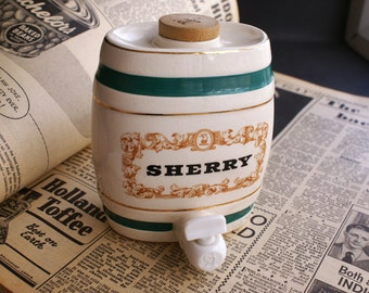 Vintage Sherry Barrel Royal Victoria Wade England Pottery 500ml