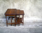 vintage nesting tables. set of 3 occasional tables. local pick up.