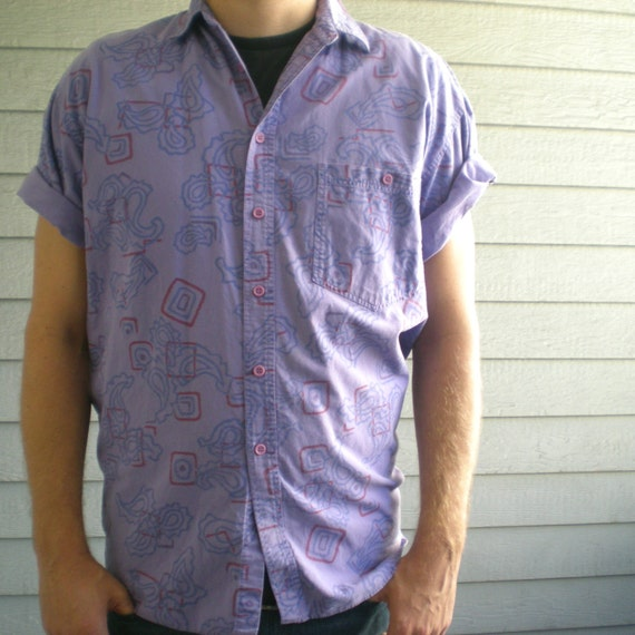 vintage 80s shirt with abstract paisley design in lavender & blue. size medium / large.