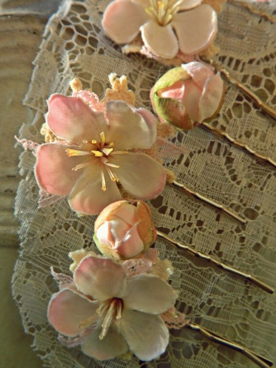 Love Story-Shiojiri Garden Bobbies // Neutral Flower Bobby Pins Set of 6 // Floral and Lace Hair Accessories