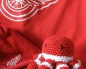 Detroit Red Wings Fan Crocheted Octopus