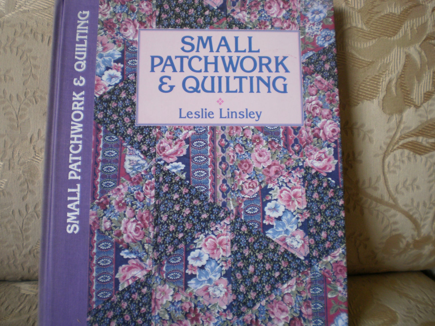 Small patchwork and quilting book from popsbooknook on for Patchwork quilt book