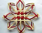 Large Woven Carolina Snowflake in walnut and red