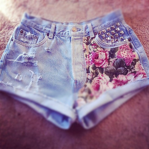 Vintage Levi 501's Floral & Studded Cut Off Denim Shorts M