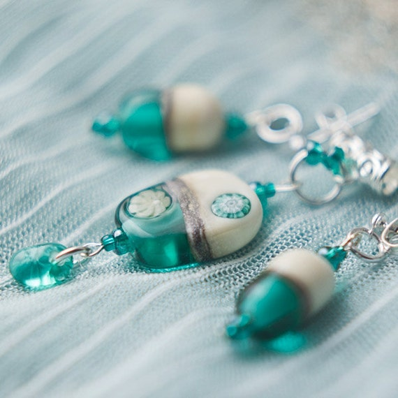 Sea shore - Tender handmade lampwork set of earrings and pendant
