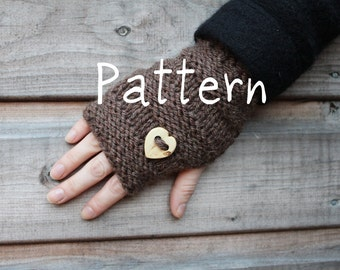 Knitting pattern - Mini mittens with button - Listing03