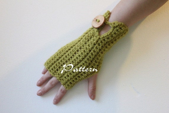 crochet pattern - comfy mittens with buttons - Listing08