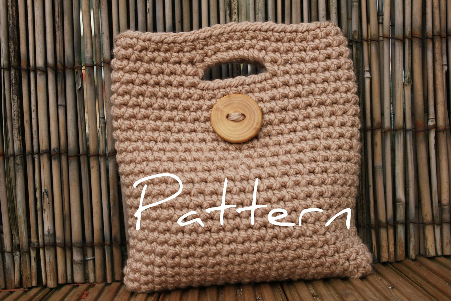 Crochet pattern womens big button clutch purse listing15 zoom bankloansurffo Gallery