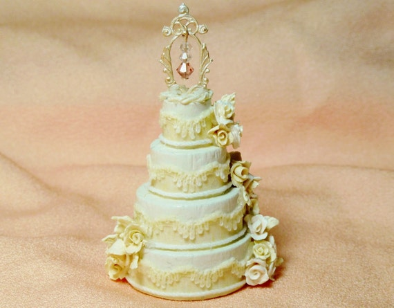 "1:12 Scale Dollhouse Miniature Wedding Cake--""Victorian Joy"""