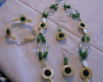 Green Yellow Clear Glass Bead Necklace