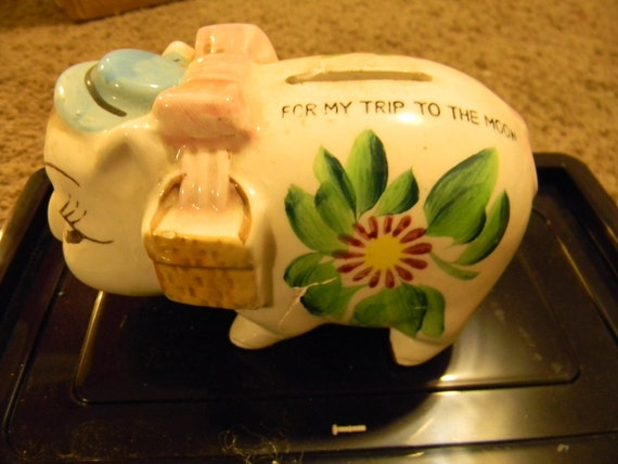 Super Cute Piggy Bank: For your trip to the moon